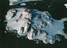 1 AK Antarctica Antarktis Terre Adelie * Blick Auf Die Französische Dumont D'Urville Station - Luftbildaufnahme * - Ansichtskarten