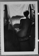 FEMME NUE ASSISE DE DOS PHOTO WILLY RONIS 1955 SCAN R/V - Vintage Romance < 1960