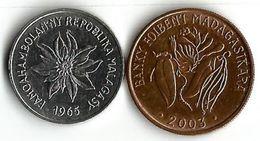 2 Pièce De Monnaie   2 Francs Et 2 Ariary - Madagascar