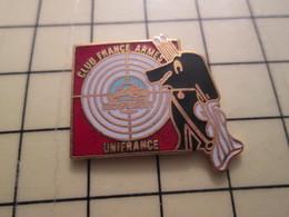 PIN411G Pin's Pins / Rare Et Beau : TIR CIBLE CHIEN FUSIL CLUB FRANCE ARMES UNIFRANCE - Badges