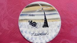 Assiette  Murale De Décoration  Céramique : Mauritus :Le Dodo Diamètre 20 Cm - Céramiques