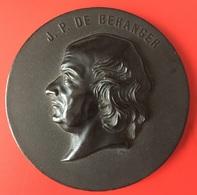 Médaillon En Bois Durci - J.P. Béranger - ébréché Au Verso Manque L'attache - Unclassified