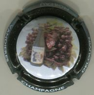 CAPSULE-CHAMPAGNE DELOUVIN-MOREAU N°26 Contour Noir - Champagnerdeckel
