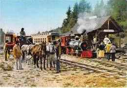 ** Lot De 2 Cartes ** PETITS TRAINS TOURISTIQUES ( BOURBONNAIS Allier Roanne / Vichy ) LA LOGE DES GARDES (3/4) - Trains