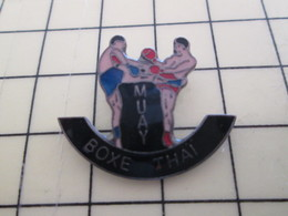 PIN813g Pin's Pins / Rare Et Beau : BOXE MUAI THAI - Boxing