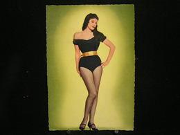 W-281 / Carte - Photo / Pin-up - ( Nue )  En Maillot De Bain ( + - Année 1950 )  /  Circulé   .- - Pin-Ups