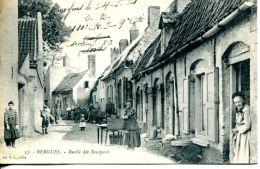 N°60883 -cpa Bergues -ruelle Des Remparts- - Bergues