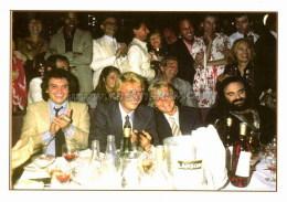 """Johnny HALLYDAY Carte Postale Moderne """" Avec Michel SARDOU Claude FRANCOIS & Demis ROUSSOS """" (EDC ST JH 77) - Singers & Musicians"""