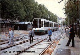 44 - NANTES - Première Rame Du Tramway - 1984 - Nantes