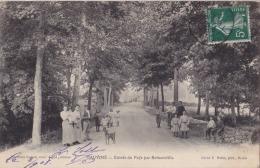 J8- 08) HAUVINÉ (ARDENNES) ENTRÉE DU PAYS PAR BETHENVILLE  - (BELLE ANIMATION) - France