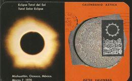 M) 1970 MEXICO, IMAGEN OF A TOTAL SOLAR ECLIPSE,AND A  AZTEC CALENDAR, POSTCARD - Mexiko