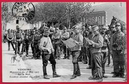 Top CPA 41 VENDOME - Manoeuvres Mai 1907 - Sur Le Mail - Escadron Attendant Les Ordres * MILITARIA Militaire - Vendome