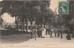 M2- 51) REIMS -  VUE AU JARDIN COLBERT  - (ANIMÉE) - Reims