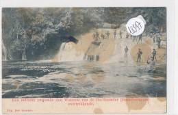 CPA  ( 2 Scans) -18597 -  Pays Bas -Een Militaire Patrouille  Den Waterval Van De Ba-Hasinder Overtrekkende ( Taches) - Pays-Bas
