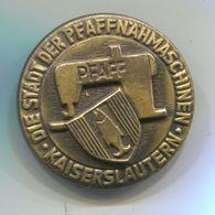 PFAFF Nahmaschine, Sewing Machine - Kaiserslautern Germany, Vintage Pin, Badge, Abzeichen, D 30 Mm - Marques