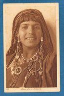 JEUNE FEMME BEDOUINE - Cartoline
