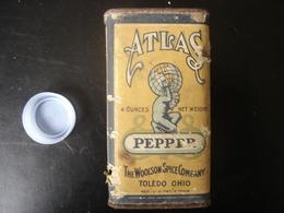Boite Ancienne Fer Carton ATLAS PEPPER Woolson Spice TOLEDO OHIO 6x4x10,5 Cm - Boxes