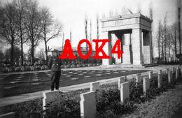 EVERE Cimetiere Militaire Allemand 1914 1918 Brussel Bruxelles Kreis Luftwaffe 1940 Monument - War, Military