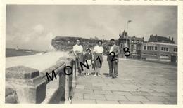 FECAMP SEINE MARITIME 1953- 2 PHOTOS - Dim 7x11 Cms - BORD DE MER - CASINO - Lieux