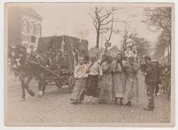 Deux 2 Photo Meuris - Carnaval Gitan Gypsy Attelage Bruxelles Borgerhout 17 Janv 1933 ?  - Belgique Belgie - - Lieux