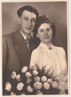 Photo - Mariage Couple Amoureux Huwelijk Années 1940 Environ - Belgique Belgie - - Personnes Anonymes