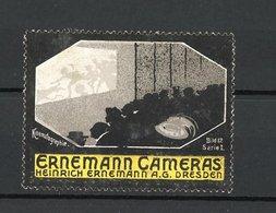 Reklamemarke Ernemann Cameras, Heinrich Ernemann AG Dresden, Leute Im Kino - Erinnophilie