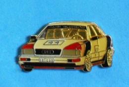 1 PIN'S //   ** AUDI V8 QUATTRO / N°44 ** DTM / 1990 ** - Audi