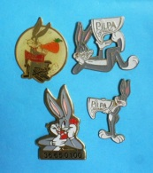 4 PIN'S //   ** BUGS BUNNY™ ** - Badges