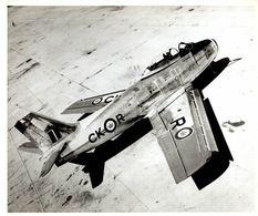 CANADAIR F86    25* 20 CM CANADA AEROPLANE - Aviación