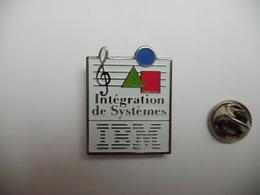 Beau Pin's , Informatique , IBM , Intégration De Systémes , Fond Argent - Computers