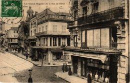 CPA Vichy Les Grands Magasins De La Rue De Nimes (682920) - Vichy