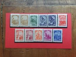RUSSIA - Ordinaria Nn. 2367/74 Nuovi ** + Spese Postali - 1923-1991 URSS