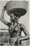 SURINAME, NU Ethnique - Bushnegress - Foto Charlie See - Surinam