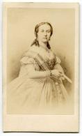 RC 8344 CDV PORTRAIT REINE DES BELGES 1867 BELGIQUE PHOTO NEURDEIN PARIS - Anciennes (Av. 1900)