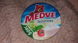 Cheese Queso Kase Label Etikette Etiqueta Hungary Medve Tejszin Sahne Cream Creme 140g BOX - Käse