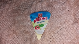 Cheese Queso Kase Label Etikette Etiqueta Hungary Medve Tejszin Sahne Cream Creme - Käse