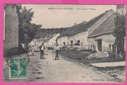 88 VOSGES - MONT Les NEUFCHATEAU , Une Entrée Du Village - Mirecourt