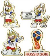 4 Pin Badges Russia 2018 World Cup Football Zabivaka, Embleme, 40 Mm - Football