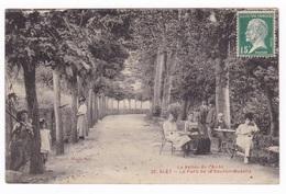 Jolie CP Animée Alet-les-Bains (Aude), Parc De La Source Thermale. A Voyagé En 1926 - Autres Communes