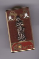 PIN'S PIN UP FLO METZ SIGNE COURTOIS - Pin-ups