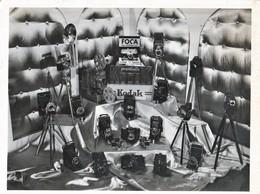 PHOTO ORIGINALE 18X24  MANCHE 50 GRANVILLE DEVANTURE VITRINE MAGASIN LEROY PHOTOGRAPHE NOMBREUX APPAREILS - Berufe
