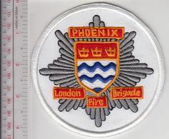 Fire Boat England London Fire Brigade The Phoenix Fireboat Marine Rescue Lambeth River Station W - Firemen