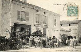CPA - ESCLES (88) - Aspect Des Clients Devant Le Café-Restaurant De La Grand-Rue En 1904 - Frankreich