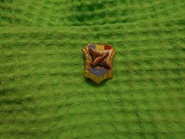 HUNTING ROMANIA ENAMEL - Badges