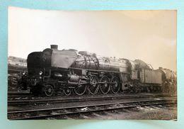 Cliché Photo Locomotive 241... Dépot De Noisy Le Sec 1955 - Trains