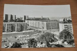 3158- Dessau, Ecke August Bebel Und Willy Lohmann Strasse  1976 - Autos - Dessau