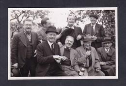 Photo Originale Format CPA Saint Heand  Groupe Amis Bons Vivants  ( Appreteurs (?) Dont M. Hyvert De St Etienne En 1940) - Altri Comuni
