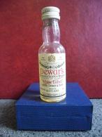 MIGNONNETTE WHISKY DEWAR'S Old Scotch Mini Bottle Collection 5cl Pour 40% Distillé En Ecosse à Perth - Miniatures
