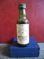 RARE MIGNONNETTE WHISKY LAGAVULIN Islay Malt Old Scotch Mini Bottle Collection 5cl Pour 40% - Ecosse 12 Years Old - Miniatures
