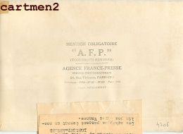 PHOTOGRAPHIE ANCIENNNE TOUR DE FRANCE 1960 LORIENT-ANGERS MOULIN DE VANNES CYCLISME SPORT CYCLISTE INTERCONTINENTALE - Sports